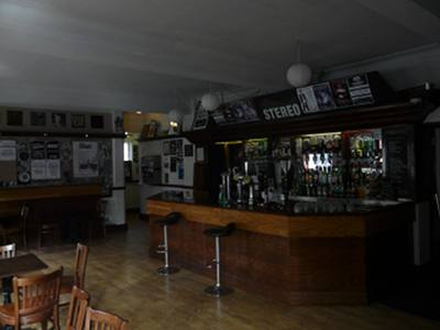 Stereo York, front bar